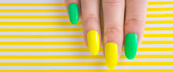 5 things you need to know before getting acrylic nails