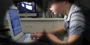 Американские школы оплачивают корпоративную слежку за учениками.
