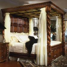 King-size Antique Reproduction Four Poster 4 Poster Bed Beautiful ...