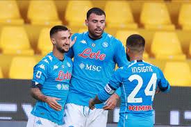 Il Napoli vince il derby a Benevento (1-2) con i gol di Insigne e Petagna