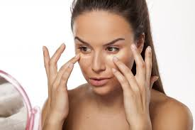 eye makeup can be especially susceptible to oily skin so a primer specifically for eyes can be a real game changer