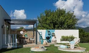 Beautiful Terrasse Amnage Aux Couleurs Bleues Et Blanches With Comment  Refaire Son Jardin