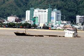 Sau bão số 12, Cảng Quy Nhơn đã khai thông một phần hoạt động