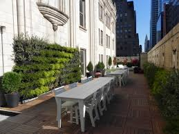 The Ultimate Guide To Living Green Walls Ambius - Exterior walls