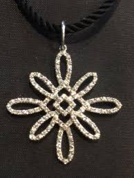 7500 tiffany co 8ct diamond large flower pendant necklace 18k white gold cord