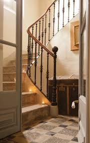 Esta ser la Escalera que llevar nuestra casa. La casa es propiedad de los  Lic