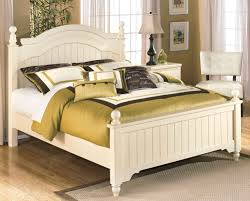 bedroom furniture chicago. White Cottage Style Queen Poster Bed Bedroom Furniture Chicago