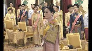 ชมความสง่างามของคุณก้อย พันเอกหญิงสินีนาฏ วงศ์วชิราภักดิ์  ร่วมงานบรมราชาภิเษกวันที่ 4 พ.ค. 2562 - YouTube