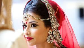 bridal makeup artist in mumbai creating beautiful