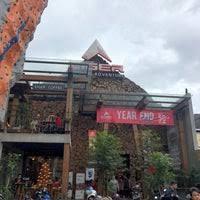 Sebelumnya, eiger sudah punya toko yang cukup besar di cihampelas. Eiger Adventure Store Jl Cihampelas No 22