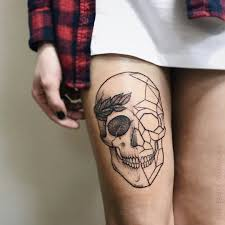 тату на бедре тату женское тату череп геометрическое тату