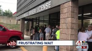 long lines at the kansas driver s license bureau in mission led to frustrated customers kshb 41 action news