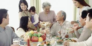 dealing difficult family gatherings the huffington post