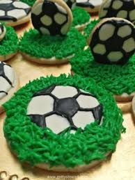 Soccer Ball Icing Decorations How to Decorate Soccer Cookies Getty Stewart 34
