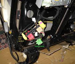 power and heated seats swap and retrofit on vw vw tdi forum if you wish to test the power seat connect the power and ground to 12v the red plug has 2 thick wires red w blue stripe is power and brown is ground