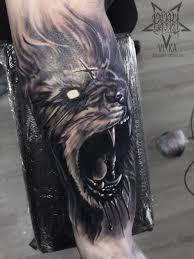 тату льва на предплечье сделать тату у мастера вики салон Playpain