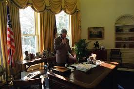 clinton oval office. President Bill Clinton In The Oval Office January, 1995. Photo Courtesy Of William J. Presidential Library E