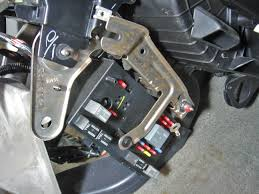 photos of dashboard removal on 2006 chevy equinox or pontiac torrent 2006 Chevy Equinox LT 2006 Chevy Equinox Fuse Box #16