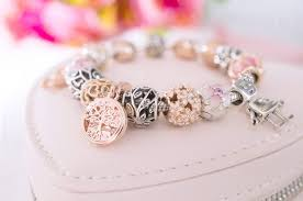 review pandora rose family roots pendant charm