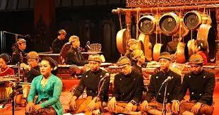 Lagu daerah memiliki kedudukan dan fungsi kuat pada tradisi masyarakat indonesia. Gaya Bernyanyi Lagu Daerah Bab 3 Kelas 8 Materi Pengetahuan Media Pembelajaran Online Guru Spensaka Smpn1kalimanah