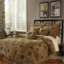 southern textiles elite hopscotch king 14 piece bedding set a contemporary geometric bedding collection in rich browns and burdy the southern textiles