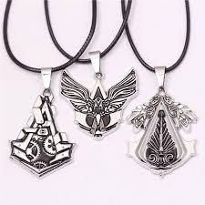 3 assassins creed gear blade necklace