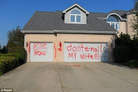 message received a reddit user shared a photo of a house in illinois with garage