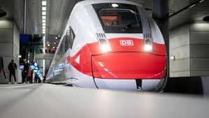 Angelehnt an den tarifabschluss des öffentlichen dienstes fordert die gdl eine. Deutsche Bahn Lokfuhrer Gewerkschaft Gdl Kundigt Streik An Wirtschaft