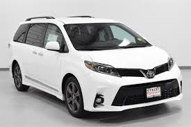 2018 Toyota Sienna Se | Best new cars for 2018