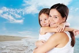 母、抱擁、子。 の写真素材・画像素材. Image 42086971.