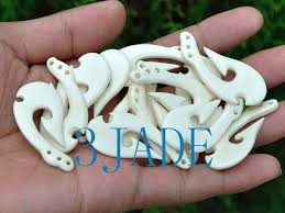 description this listing is for one pendant randomly choosing from our inventory as shown in the pictures below perfect condiciton as shown in the