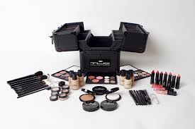 of mac makeup kit style guru fashion glitz glamour