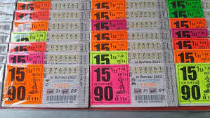 ชาวโคราชยังแห่ซื้อลอตเตอรี่เหมือนเดิม แม้พ่อค้าขายใบละ 100 บาท