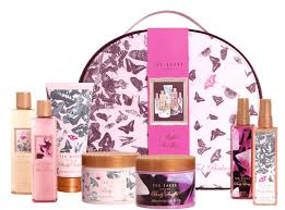 Christmas Gift Idea Ted Makes An Excellent Case  Girlie GossipTed Baker Christmas Gifts