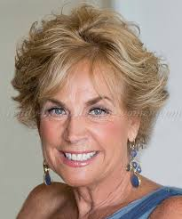 short blonde hairstyle over 60