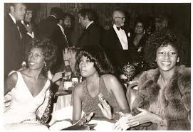 Mary Wilson, Diana Ross and Lynda Lawrence, ladies of The Supremes ...