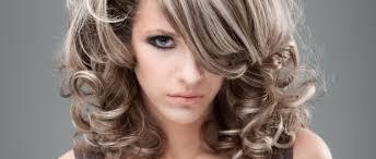 Perfektní účes Pro Polodlouhé Vlasy Už Za 30 Minut Vše O Vlasech