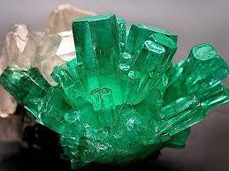 Imagini pentru pietre emerald