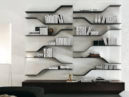 Mobili Per Arredare Sala Da Pranzo : In soggiorno libreria o parete attrezzata donna moderna