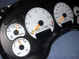 1998 2002 chevrolet s10 tach manual dash cluster white face gauges 1998 2002 chevrolet s10 tach manual dash cluster white face gauges 98 05