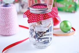 Decorating Mason Jars With Fabric Easy DIY Holiday Mason Jar Decoration Tutorial The Chic Life 2