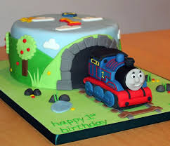 Thomas The Train Cake With Thomas The Train Cupcake Ideas With