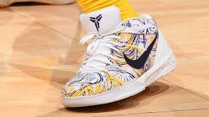 Kobe Bryant Shoe Designer The Decade Old Kobe Bryant Sneaker Todays Nba Players Cant