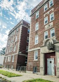 Apartment Building In Detroit Free Stock Photo Easy Download