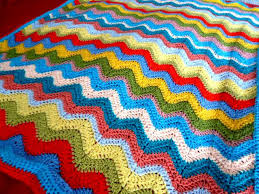 15 Crochet Blankets You Can Make & Cheerful Ripple Crochet Blanket Pattern Adamdwight.com
