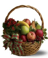 traditional fruit basket m s three for the daisydove from healthy gift for the whole family quality fruit lovely fruit basketbought as a gift