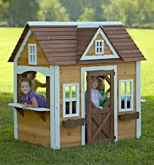 diy playhouse 5