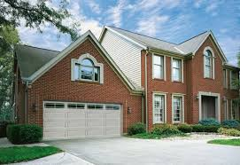 choosing the right color for your garage door