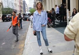 Simple summer shoe trends 2018 ideas Comfortable Vogue The Biggest Street Style Trends Of Spring 2019 Vogue