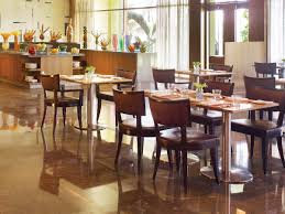 Restaurant Kitchen Tables Flow Cafc A Multi Cuisine Fine Dining Restaurant At The Gateway